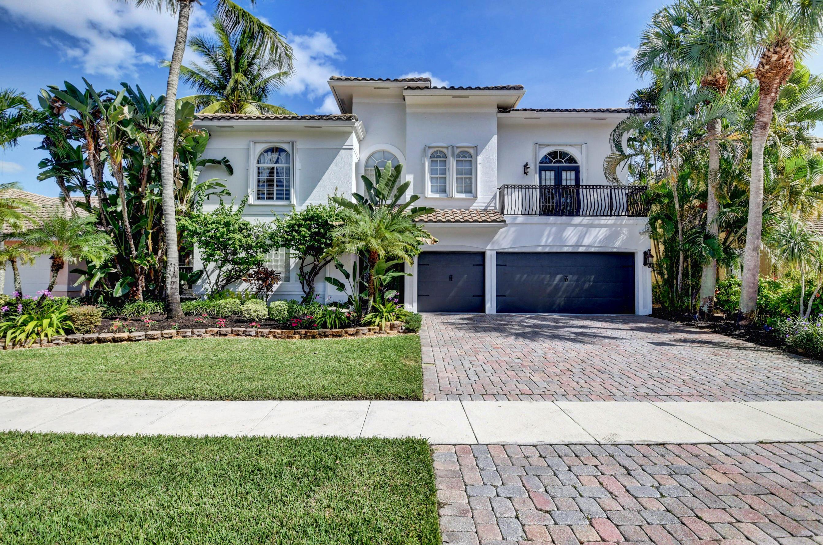 9760  Coronado Lake Drive  For Sale 10754875, FL