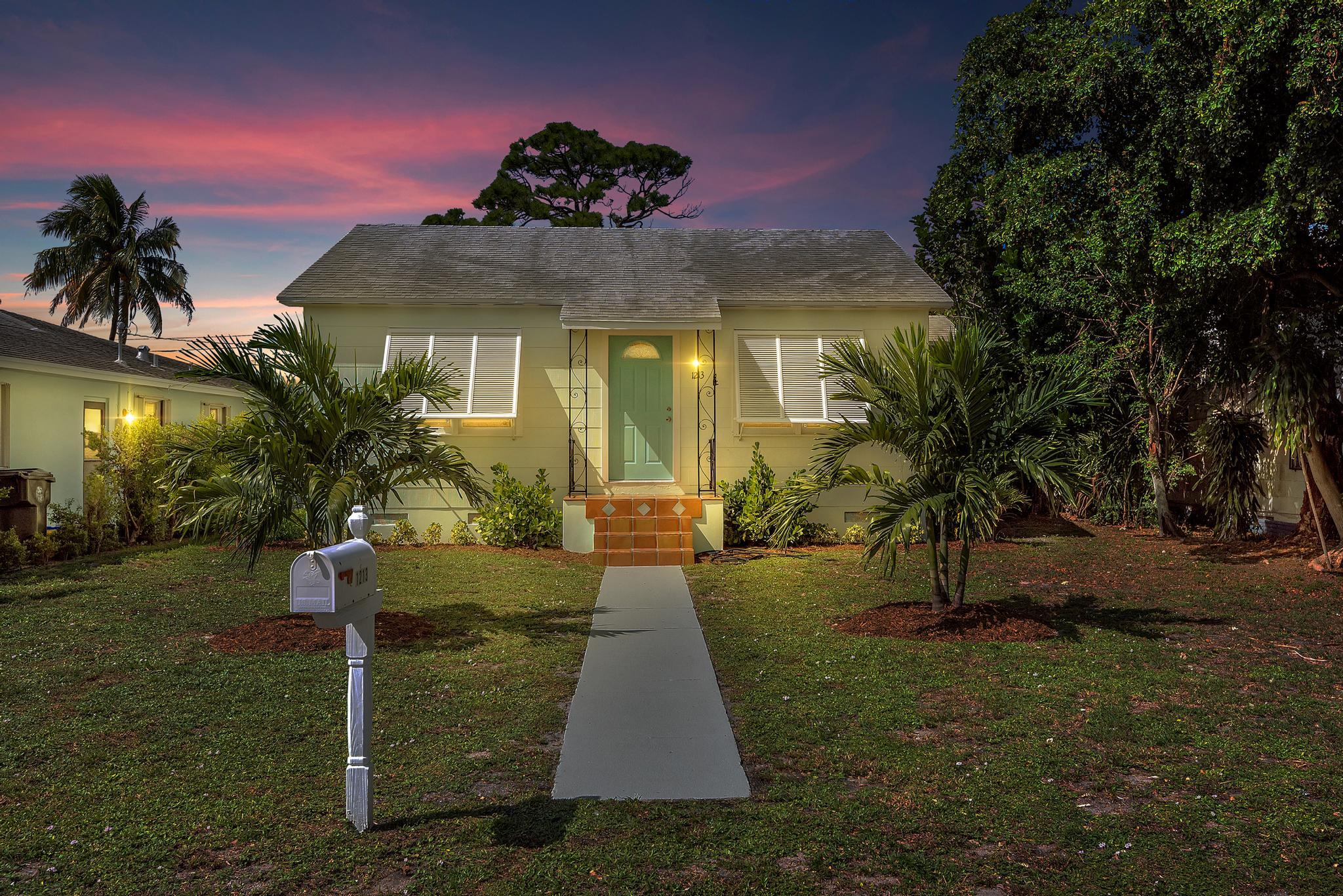 This beautifully remodeled Lake Worth Beach charmer is ready for its new owner!  This home features a modern white kitchen with granite and stainless appliances, freshly restored yellow oak floors, a new bathroom with the high end tile and fixtures, updated electric, newer HVAC, and fresh paint and trim throughout.  Centrally located this property is close to Sunset Ridge Park (3 blocks), Lake Worth Beach Municipal golf course(1.4 Miles), Lake Worth Beach (2.6 miles), and I-95 (for the commuters). Schedule your private tour today.