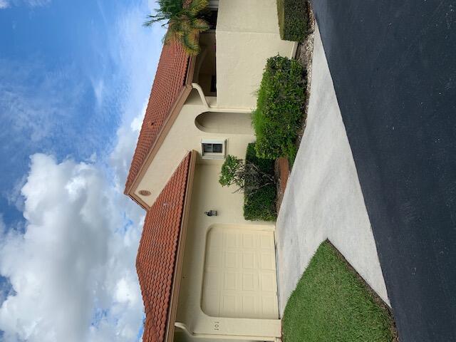 8296  Waterline Drive 101 For Sale 10753317, FL