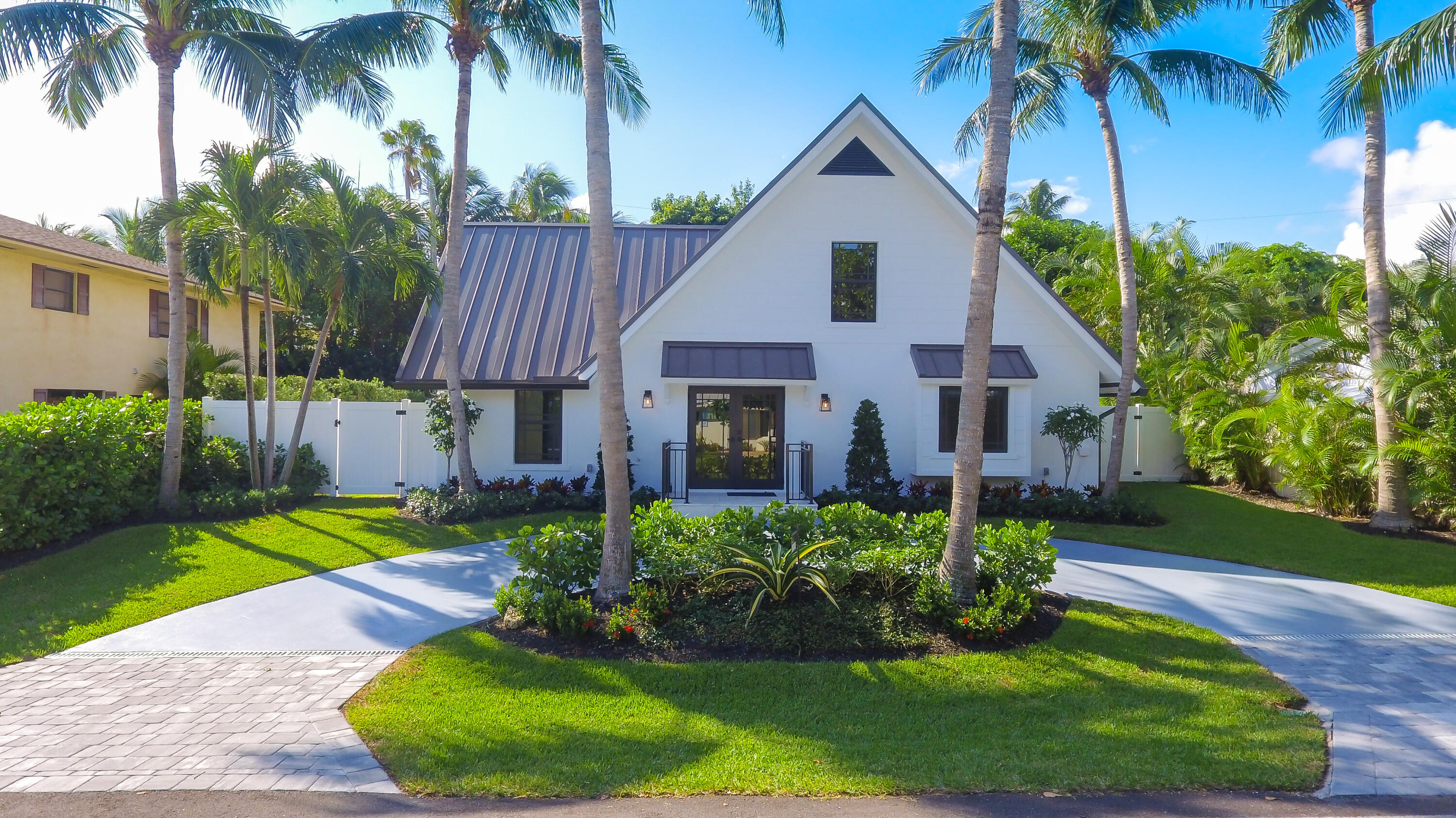 18  Hersey Drive  For Sale 10753535, FL