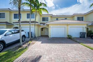 1071 Imperial Lake Road, West Palm Beach, FL 33413