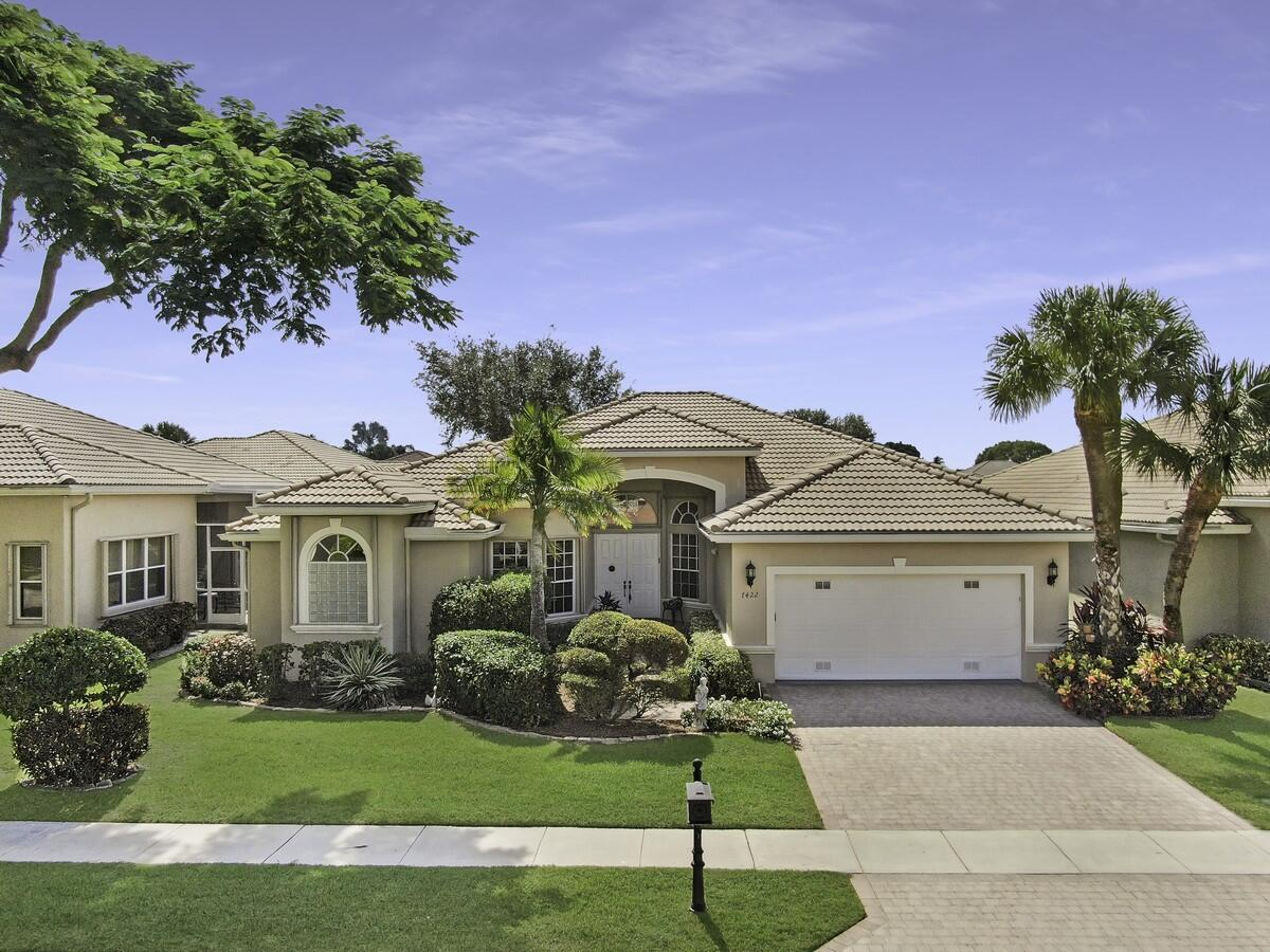 7422  Viale Angelo   For Sale 10753628, FL