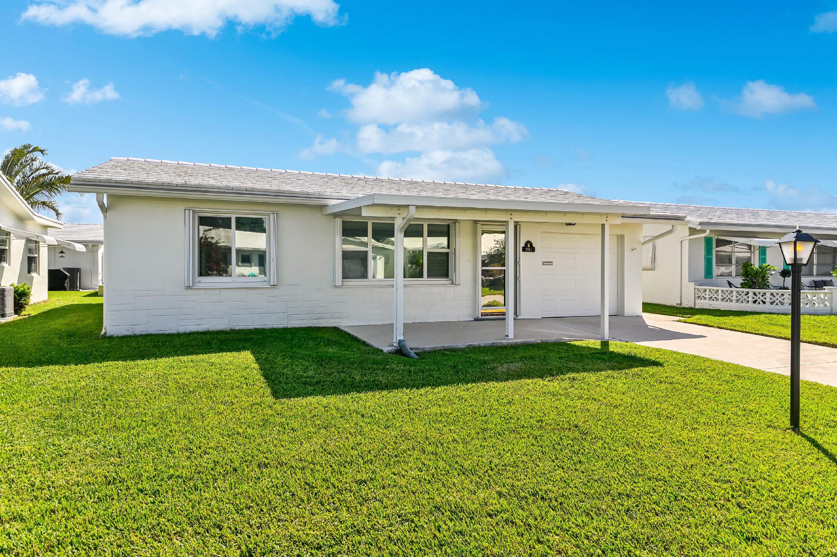 2082 SW 13th Ter Terrace  For Sale 10753810, FL