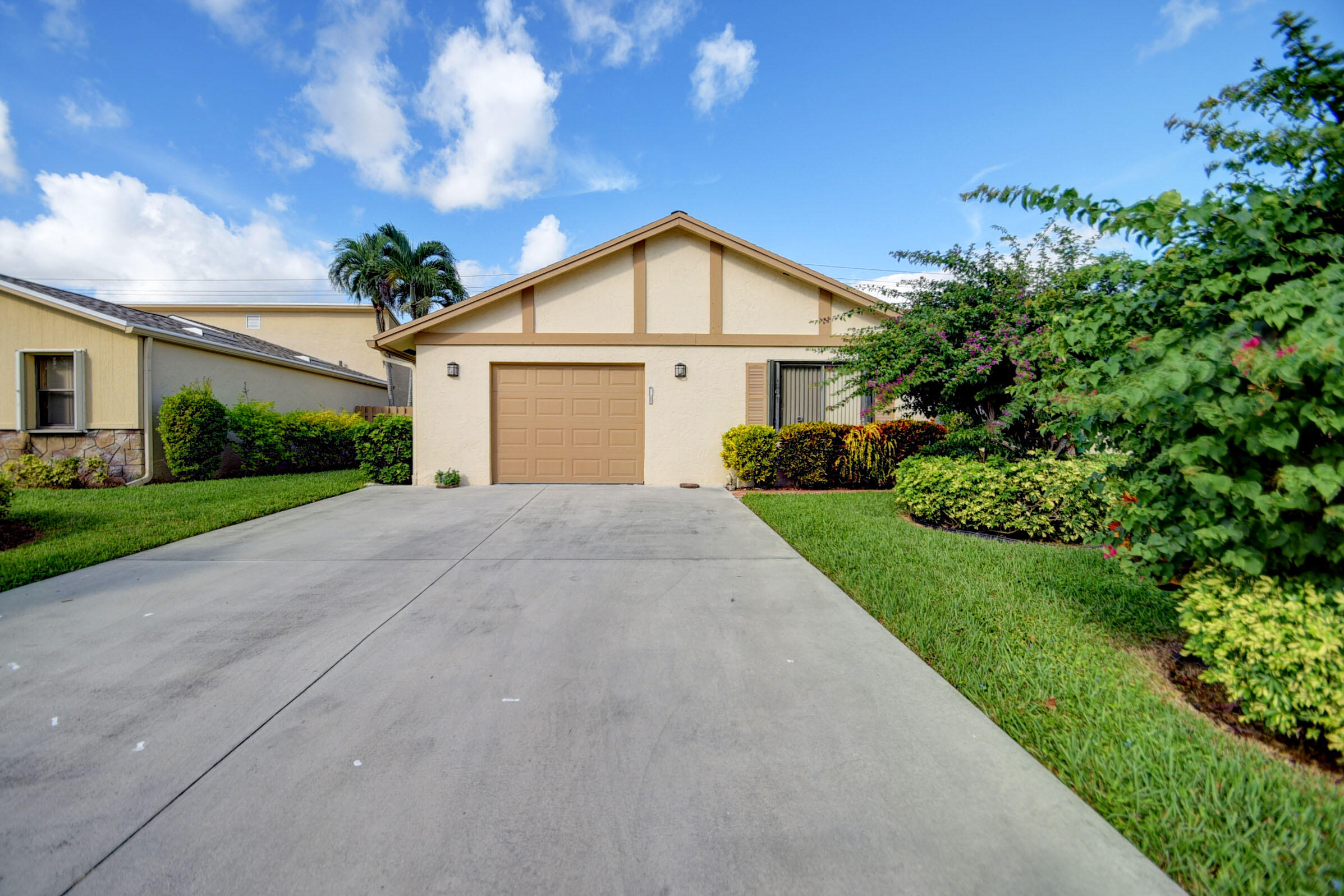870 NW 32nd Avenue  For Sale 10753754, FL