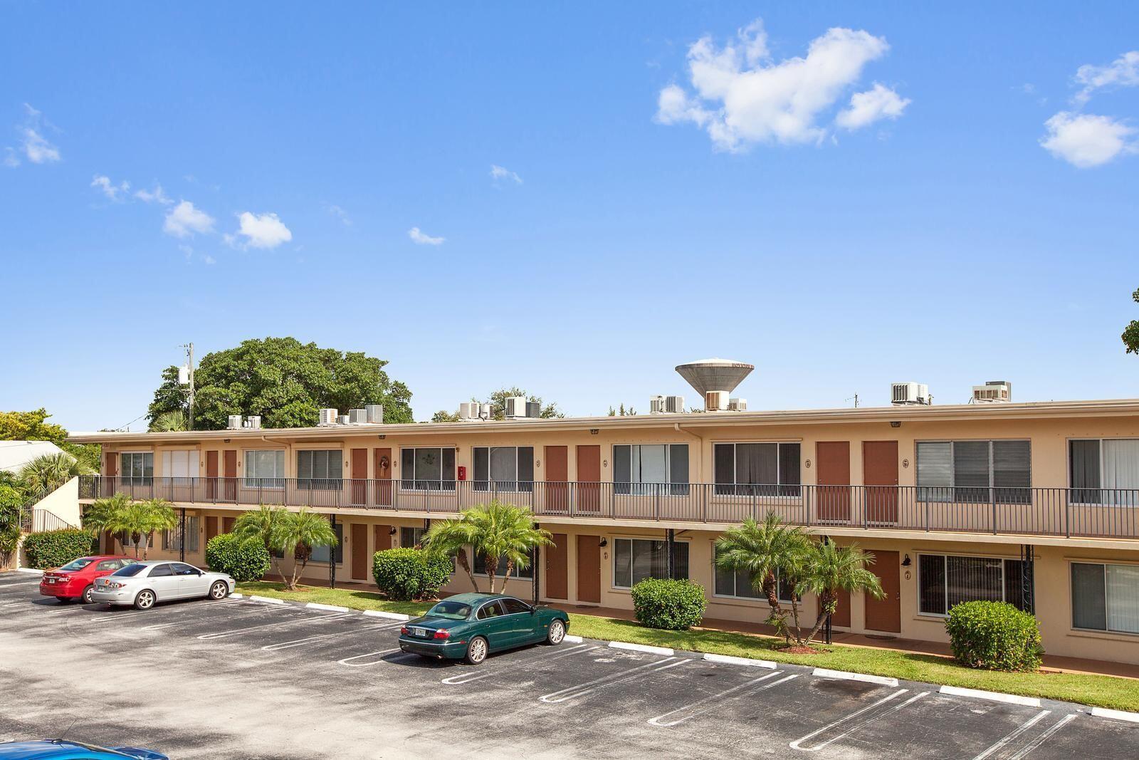 2303 S Federal Highway 22n Boynton Beach, FL 33435