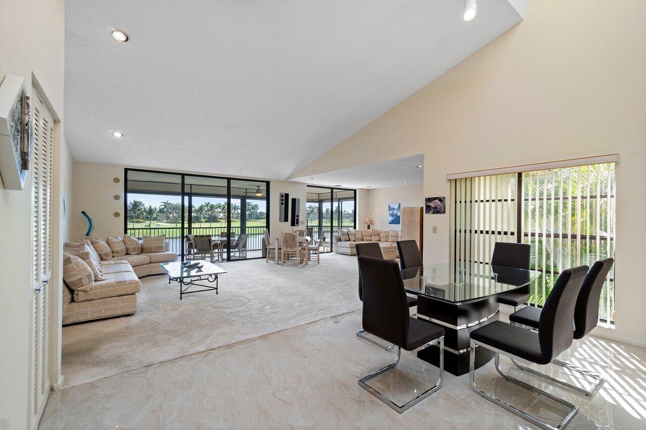 18  Eastgate Drive D For Sale 10754100, FL