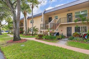 152 Lake Constance Drive, West Palm Beach, FL 33411