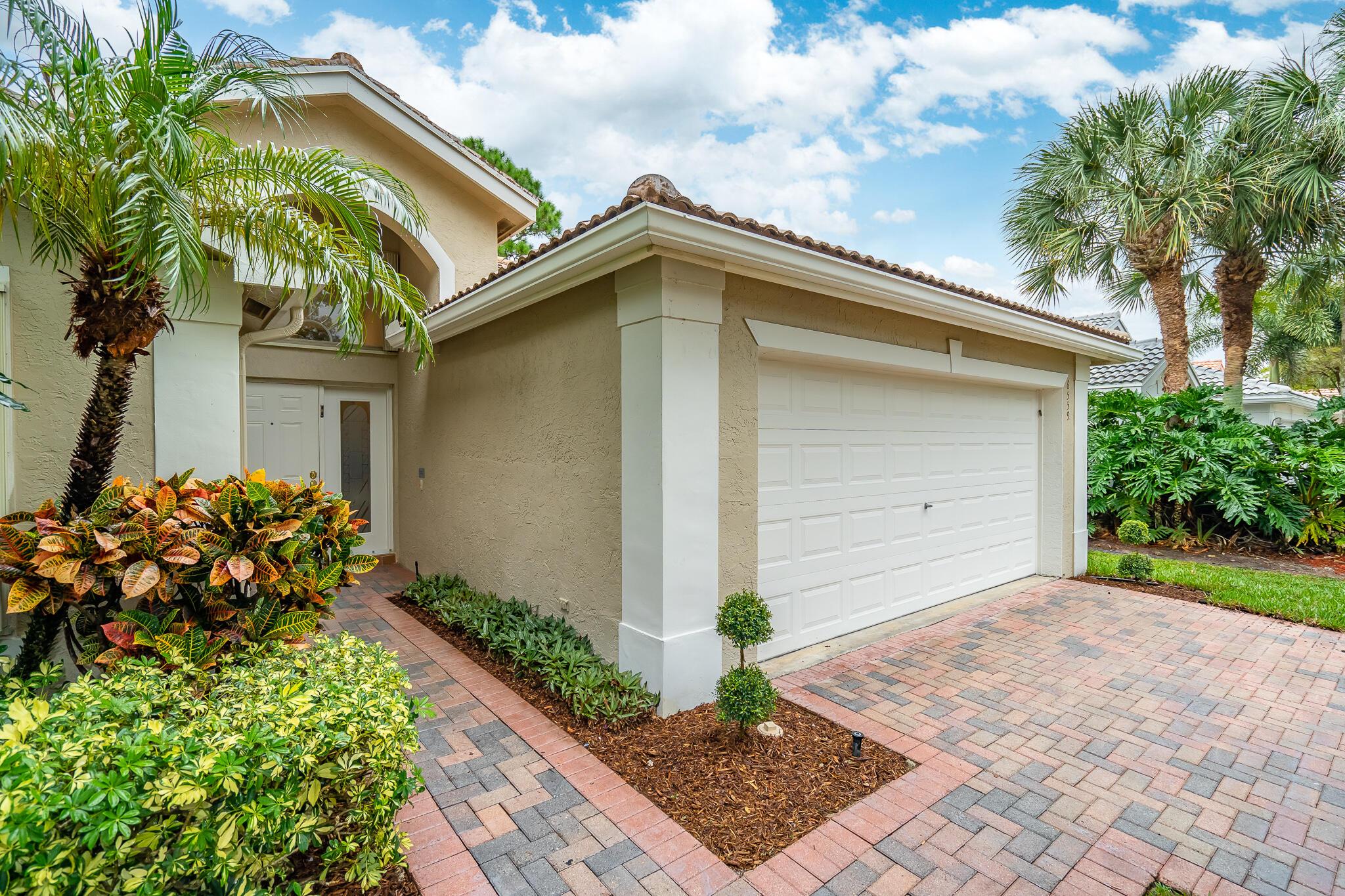 6559  Lucaya Avenue  For Sale 10754234, FL