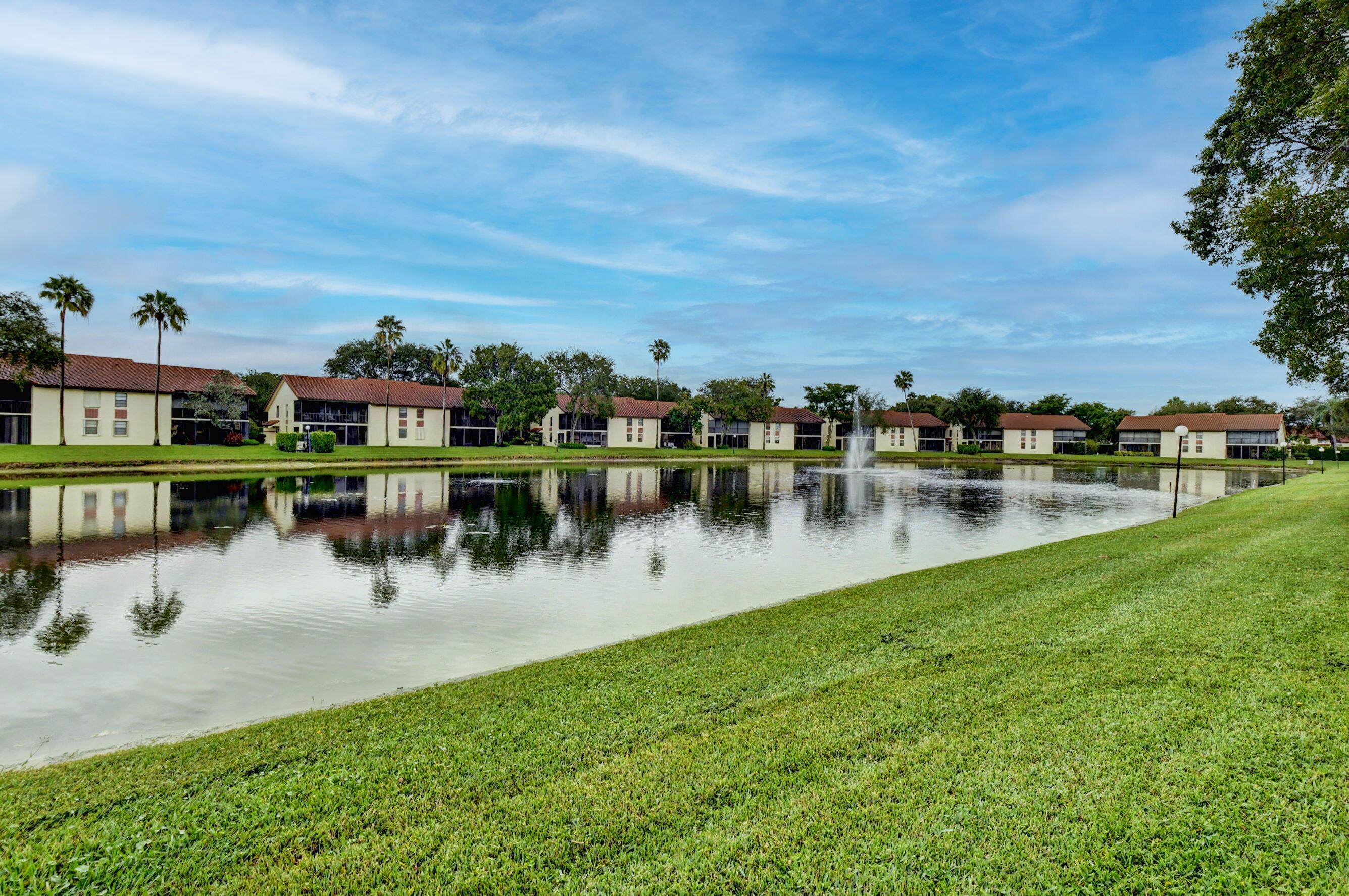 10359 S Circle Lake Drive 101 For Sale 10754220, FL