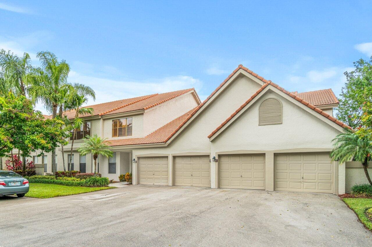 5801  Coach House Circle G For Sale 10754242, FL