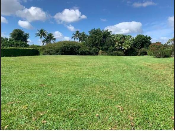 10677  Pine Tree Terrace  For Sale 10754955, FL