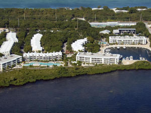 Mariners Club is a jewel by the sea with a magnificent marina and 5 star amenities. Luxury condo with views and a private boat slip