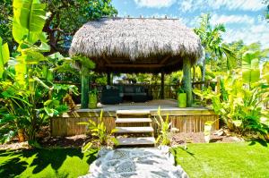 177 N Coconut Palm Boulevard