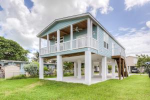 22 Riviera Drive, Big Coppitt, FL 33040