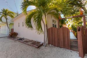 174 Burgundy Drive, Key Largo, FL 33037