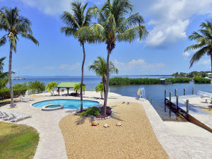 300 Buttonwood Shores Drive, Key Largo, FL 33037
