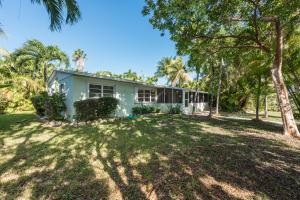 17298 E Dolphin Street, Sugarloaf Key, FL 33042