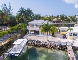 100 1St Street, Key Colony, FL 33051