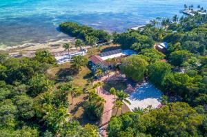 80531 Old H Highway, Upper Matecumbe Key Islamorada, FL 33036