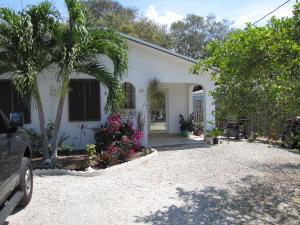 264 Jasmine Street, Plantation Key, FL 33070