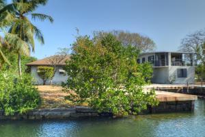151 Ocean Shores Drive, Key Largo, FL 33037