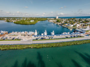 400 Sadowski Cswy, Key Colony, FL 33051