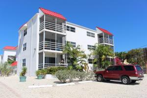 605 Sombrero Beach Road, 203, Marathon, FL 33050