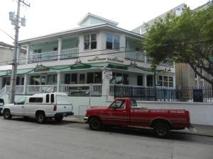 218 Whitehead Street, 2