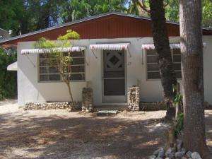 27 Bonita Avenue, Key Largo, FL 33037