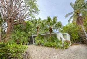 114 Gumbo Limbo Road, Plantation Key, FL 33036