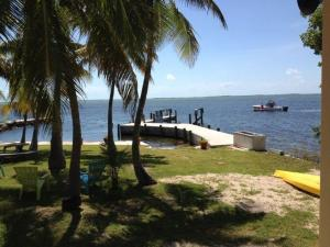 110 E Shore Drive, Key Largo, FL 33037