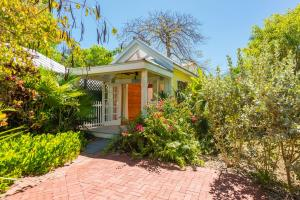 913 White Street, Key West, FL 33040