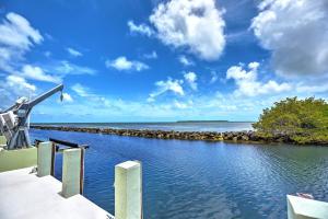 176 Orange Blossom Road, Key Largo, FL 33070