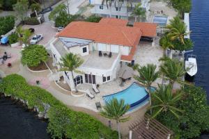 68 S Andros Road, Key Largo, FL 33037