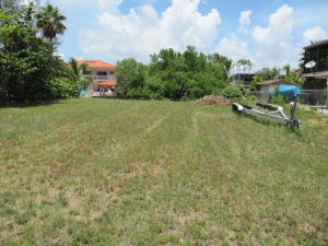 South Ocean Shores Drive, Key Largo, FL 33037