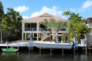 306 Woods Ave Avenue, Plantation Key, FL 33070