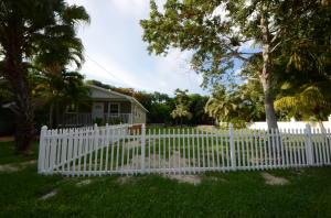 19433 Seminole Street, Sugarloaf Key, FL 33042