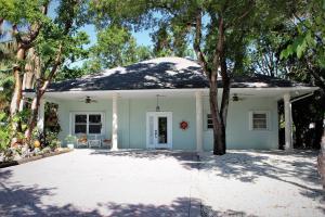 109 Palm Lane, Plantation Key, FL 33036