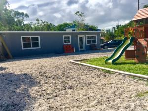 678 Dolphin Avenue, Key Largo, FL 33037