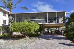 421 S Coconut Palm Boulevard
