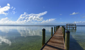 330 Buttonwood Bight Lane, Plantation Key, FL 33036