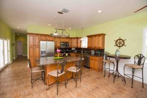 124 S Layton Drive, Long Key, FL 33001