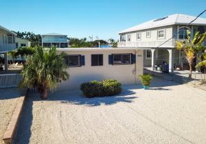 231 Azalea Street, Plantation Key, FL 33070