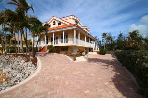 210 15Th Circle, Key Colony, FL 33051