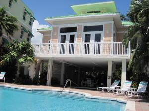5607 College Road, Key West, FL 33040
