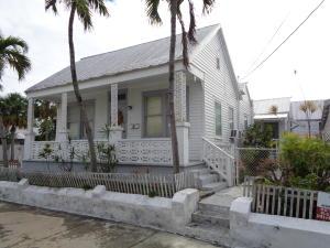 1026 Varela Street