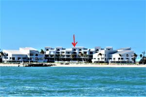 799 W Ocean Drive, 304, Key Colony, FL 33051