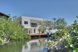 835 Spoonbill Lane, Key Largo, FL 33037