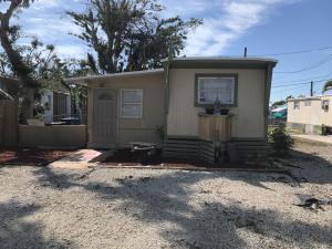 50 Sands Road, Big Pine Key, FL 33043