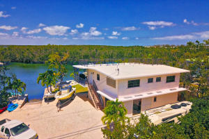 7 Lake Shore Drive, Key Largo, FL 33037
